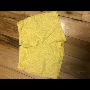 Banana Republic shorts yellow printed